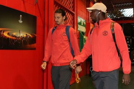 Neville chi cho Man United cach danh bai Liverpool - Anh 1