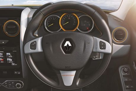 SUV co nho Renault Duster Adventure gia chi 321 trieu - Anh 5
