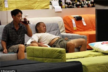 Ikea het kien nhan voi khach hang Trung Quoc vao ngu kho - Anh 12