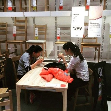 Ikea het kien nhan voi khach hang Trung Quoc vao ngu kho - Anh 5