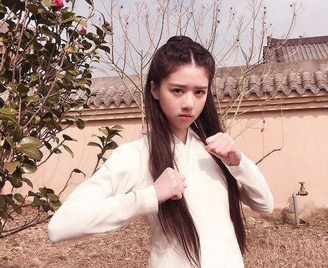 Hot girl Singapore sinh nam 1999 co ve dep tu nhien nhu nu than - Anh 8