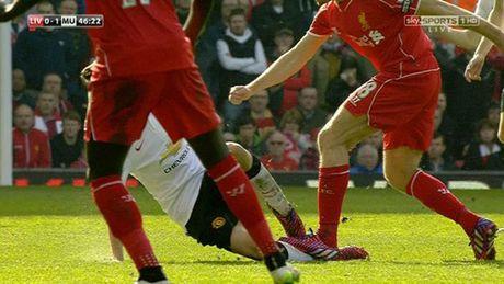 """Dac san"" Liverpool – MU: Nhung cu tac ""an thua du"" - Anh 1"