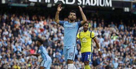 Man City 1-1 Everton: Tham hoa penalty - Anh 1