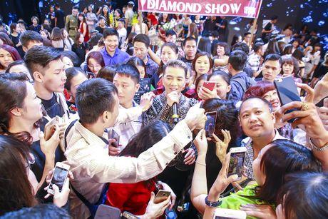 Sieu show cua Mr. Dam: Khan gia chua biet tu ton trong minh - Anh 3
