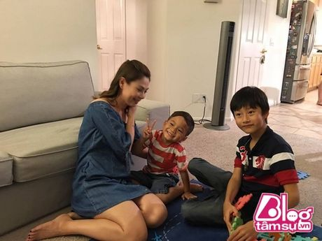 O Viet Nam da sang chanh, cuoc song con trai Ngo Kien Huy tai My con choang hon - Anh 12