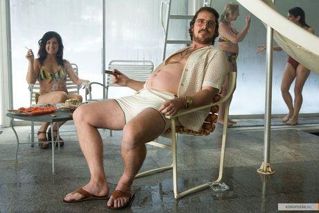 Christian Bale - tang giam 80kg trong mot nam de hop vai dien - Anh 11