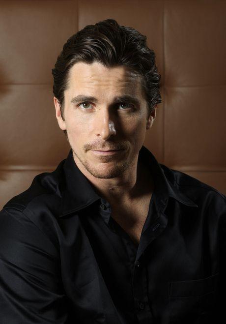 Christian Bale - tang giam 80kg trong mot nam de hop vai dien - Anh 2