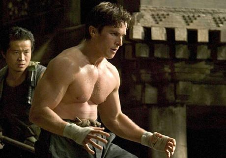 Christian Bale - tang giam 80kg trong mot nam de hop vai dien - Anh 8