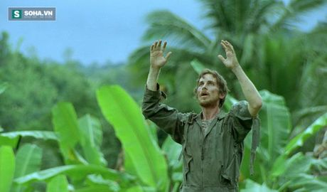 Christian Bale - tang giam 80kg trong mot nam de hop vai dien - Anh 9