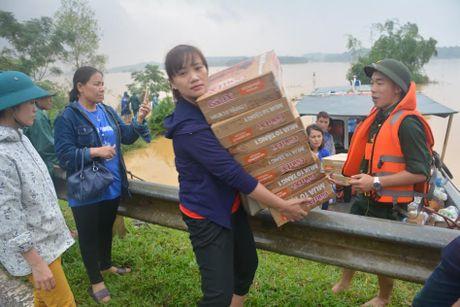 Khan truong khac phuc hau qua 10 truong hoc tai ron lu Huong Khe - Anh 2