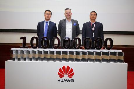 Huawei da ban ra hon 100 trieu smartphone trong 2016 - Anh 1