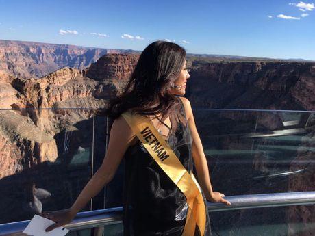 Tu Las Vegas, Nguyen Thi Loan xot xa nhin 'khuc ruot' mien trung ngap trong bao lu - Anh 1