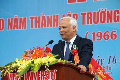 Pho Chu tich Quoc hoi Uong Chu Luu du le Ky niem 50 thanh lap Truong THPT chuyen Dai hoc Vinh - Anh 3
