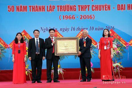 Pho Chu tich Quoc hoi Uong Chu Luu du le Ky niem 50 thanh lap Truong THPT chuyen Dai hoc Vinh - Anh 4