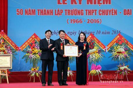 Pho Chu tich Quoc hoi Uong Chu Luu du le Ky niem 50 thanh lap Truong THPT chuyen Dai hoc Vinh - Anh 6