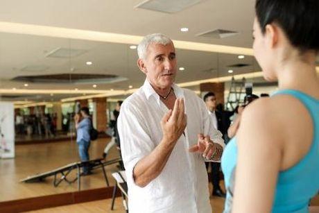 Hoa hau Thu Thuy khoe voc dang dep nho tap yoga - Anh 6