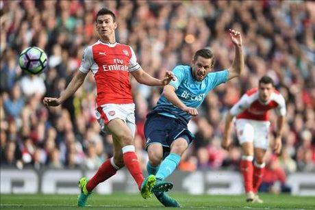 Arsenal 3-2 Swansea: Tot dep pho ra, xau xa chang day duoc - Anh 2