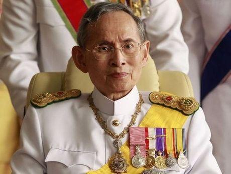 Nha vua Thai Lan Bhumibol Adulyadej - Hoang than giau co nhat chau A - Anh 1