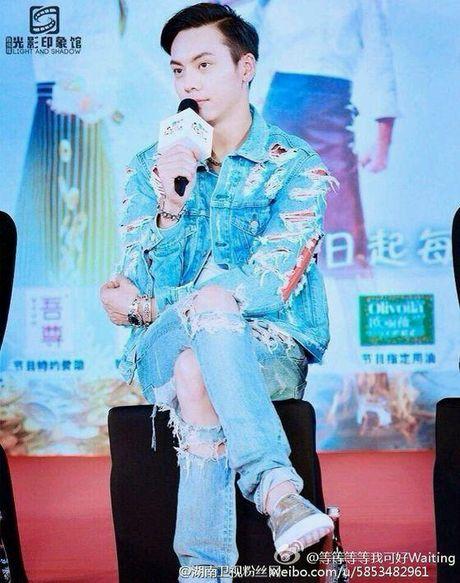 Netizen xu Trung khao nhau bang chung hen ho cua 'My nhan Tan Cuong' Dich Le Nhiet Ba va Tran Vy Dinh - Anh 4