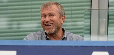 Conte va Abramovich cuoi vao cac tin don sa thai - Anh 1