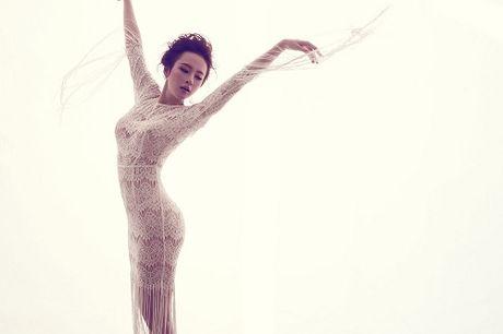 Angela Phuong Trinh cang tran voi dam ren xuyen thau - Anh 11