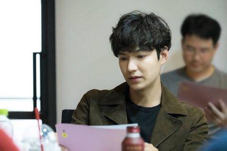 Lee Min Ho 'tre ra toi 10 tuoi' trong phim moi - Anh 1