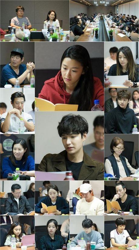 Lee Min Ho 'tre ra toi 10 tuoi' trong phim moi - Anh 4