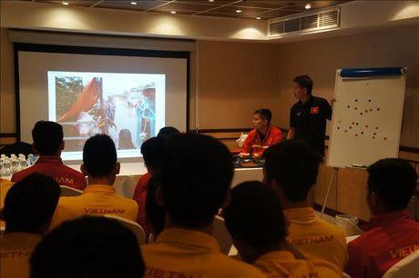 U19 Viet Nam va dong luc tu nhung mat mat cua dong bao mien Trung - Anh 1