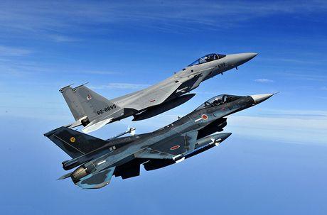Nhat Ban dung tiem kich F-15J dau Su-35, J-20 Trung Quoc? - Anh 7