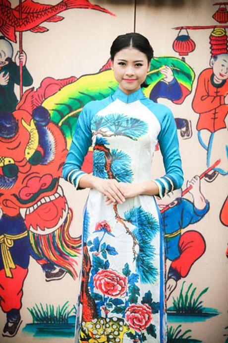 'Ban sao Tang Thanh Ha' rang ro dien ao dai do Hoa hau Ngoc Han thiet ke - Anh 10