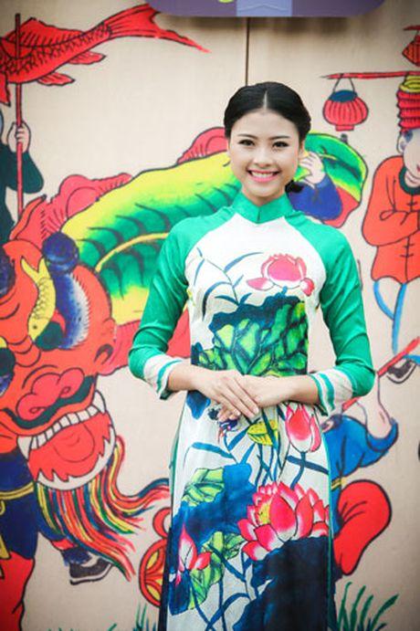 'Ban sao Tang Thanh Ha' rang ro dien ao dai do Hoa hau Ngoc Han thiet ke - Anh 11