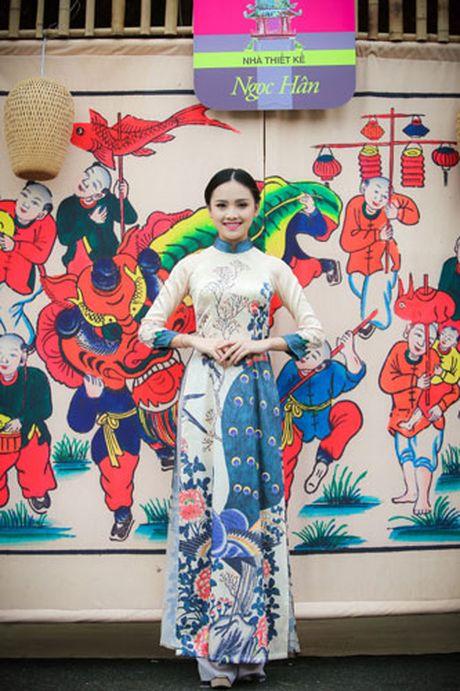 'Ban sao Tang Thanh Ha' rang ro dien ao dai do Hoa hau Ngoc Han thiet ke - Anh 8