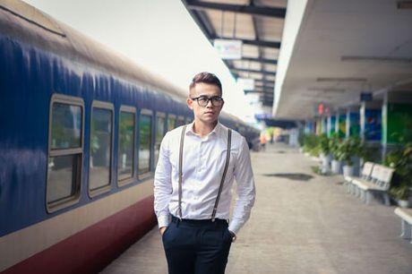 Duc Bao, Ai Phuong tay trong tay dao pho Ha Noi - Anh 2