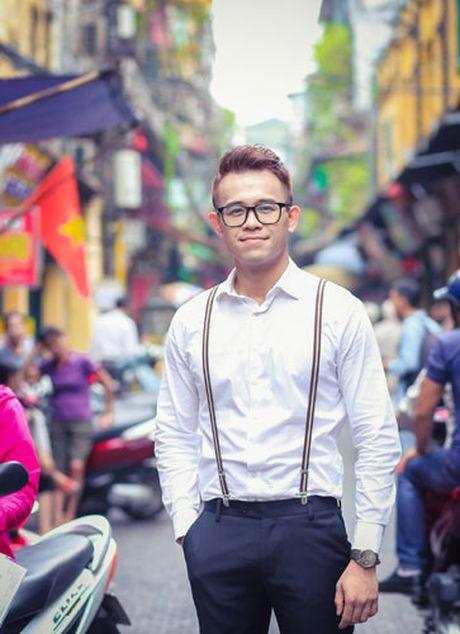 Duc Bao, Ai Phuong tay trong tay dao pho Ha Noi - Anh 7