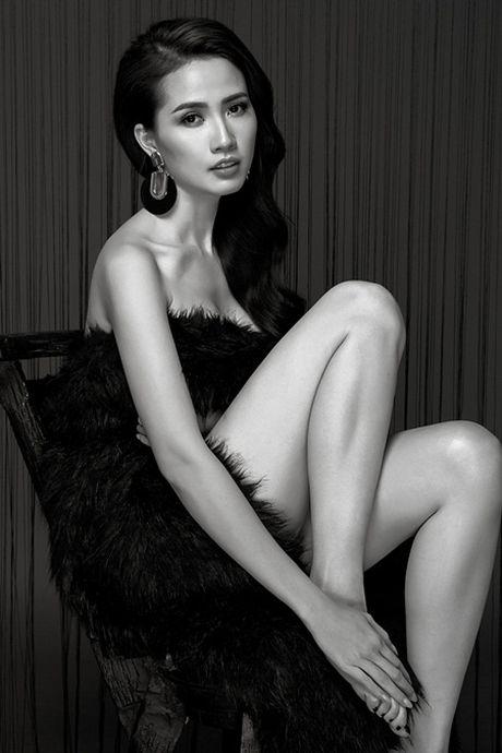 Phan Thi Mo tung bo anh sexy sau khi duoc ban trai tang nhan tien ti - Anh 10