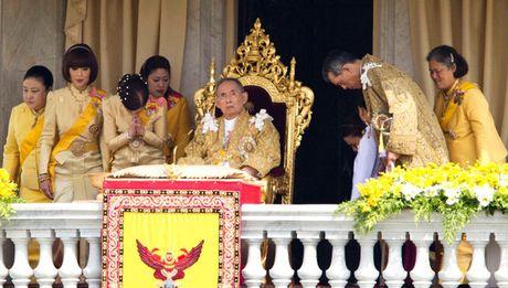 Nganh du lich, chung khoan Thai Lan gap kho vi vua bang ha - Anh 1