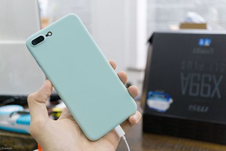 Tren tay bo op lung Uniq danh cho iPhone 7 va iPhone 7 Plus - Anh 1