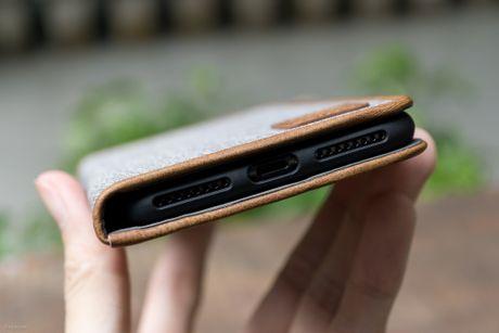 Tren tay bo op lung Uniq danh cho iPhone 7 va iPhone 7 Plus - Anh 26