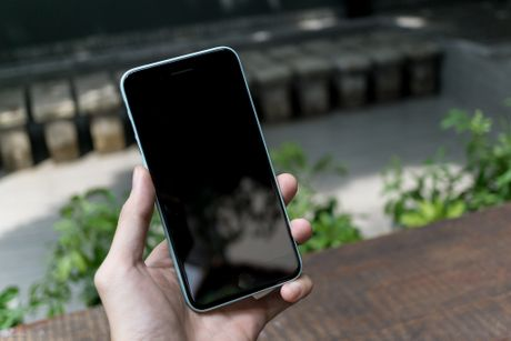 Tren tay bo op lung Uniq danh cho iPhone 7 va iPhone 7 Plus - Anh 2