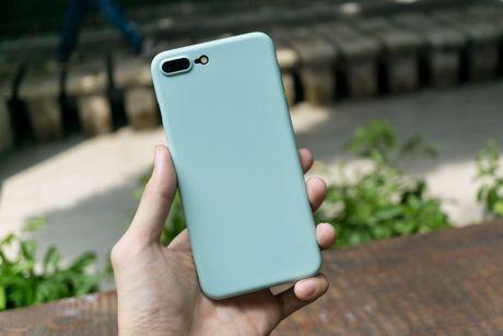 Tren tay bo op lung Uniq danh cho iPhone 7 va iPhone 7 Plus - Anh 4