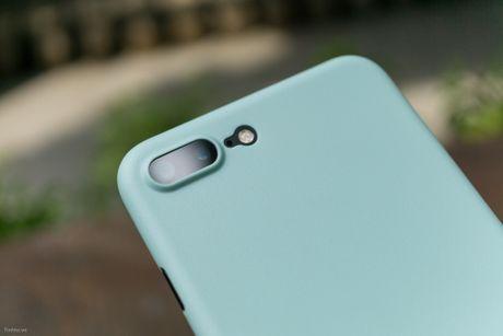 Tren tay bo op lung Uniq danh cho iPhone 7 va iPhone 7 Plus - Anh 6