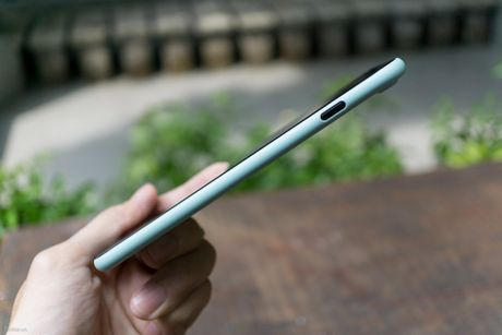 Tren tay bo op lung Uniq danh cho iPhone 7 va iPhone 7 Plus - Anh 9