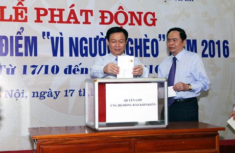 Ngay dau phat dong, da co hon 348 ty dong ung ho nguoi ngheo - Anh 4