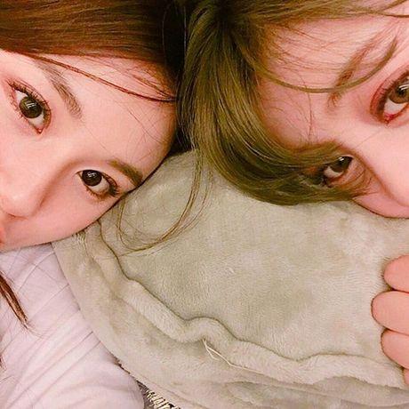 Sao Han 17/10: Hyo Min khoe dang chuan mau, Ji Hyo (Twice) mat do bat thuong - Anh 3
