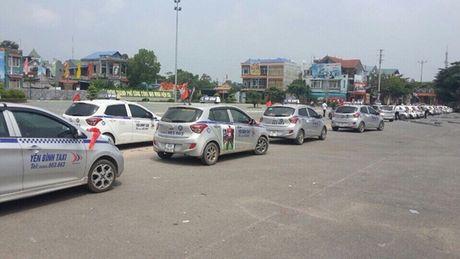 Can som cong khai cac tieu chuan cap phu hieu bo sung xe taxi - Anh 1