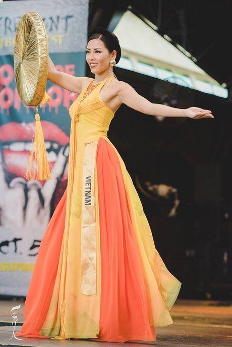 Nguyen Thi Loan toa sang voi ao tu than tai Hoa hau hoa binh quoc te 2016 - Anh 1