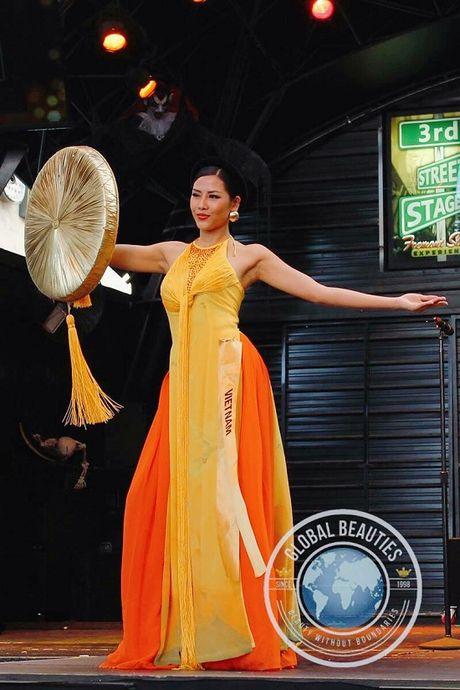 Nguyen Thi Loan toa sang voi ao tu than tai Hoa hau hoa binh quoc te 2016 - Anh 2