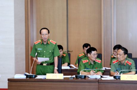 Ong Vo Trong Viet: Qua vu Yen Bai can quan ly chat che viec cap sung - Anh 2