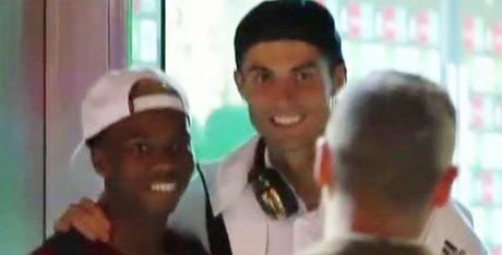 Sao tre Chelsea cho… 20 phut de duoc gap Cris Ronaldo - Anh 1