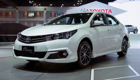 Toyota Corolla phien ban eSport 2016 ra mat tai Thai Lan - Anh 1